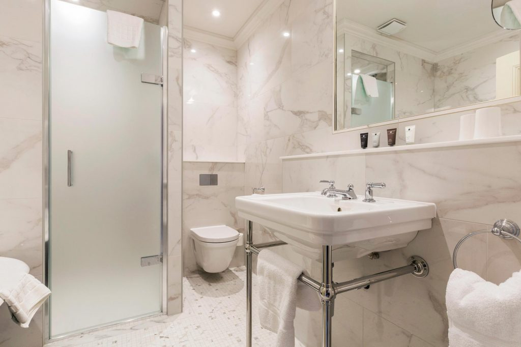 Devonshire-Arms-Bolton-Abbey-Bathroom-refurb-(2)