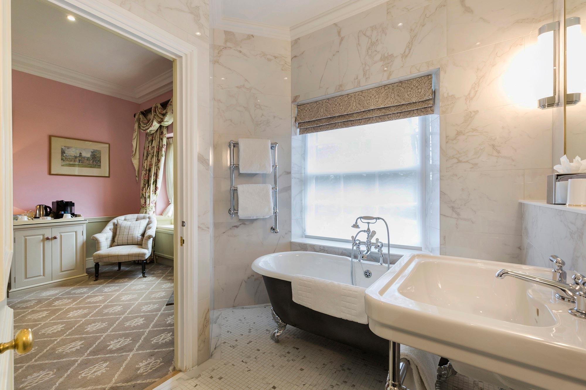 RECOMPOSE-Devonshire-Arms-Bolton-Abbey-Bathroom-refurb-(4)