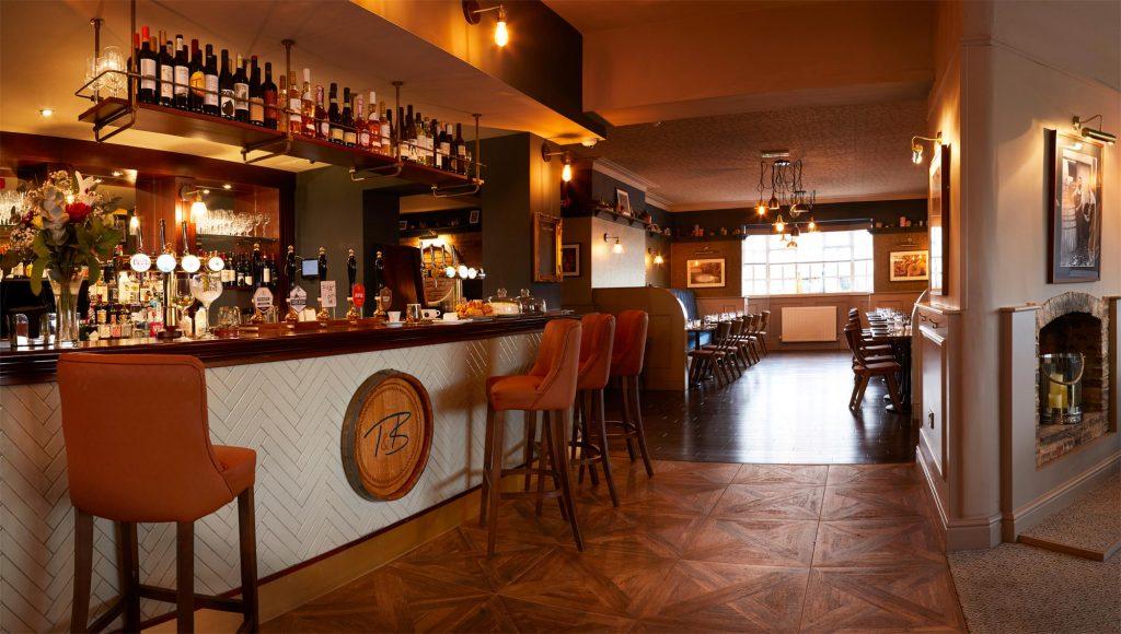 Twine-&-Barrel-1---Bar-area